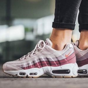 ✔️New✔️ NIKE barely rose Air Max 95 ~ various size